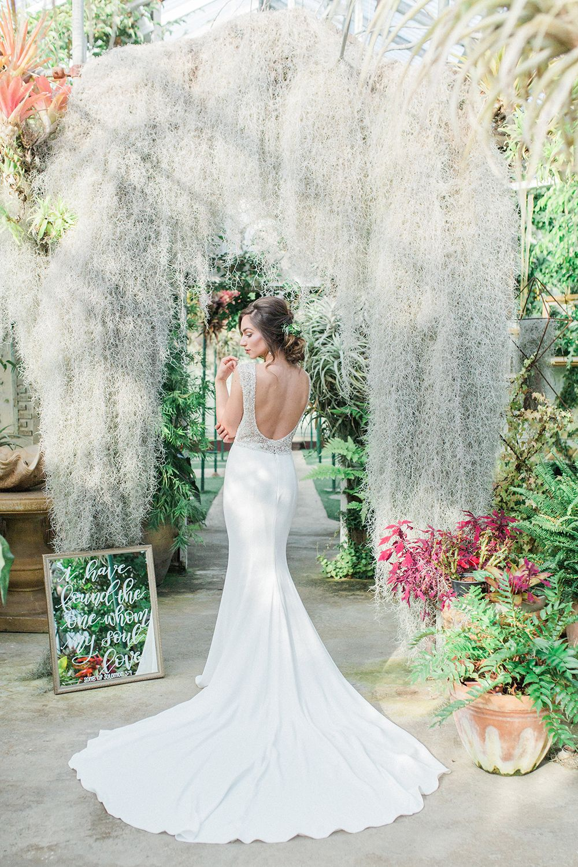 The green house mere - Botanical Greenhouse Wedding Inspiration Photo By Yasmin Roohi Http Rufflebdlog Com