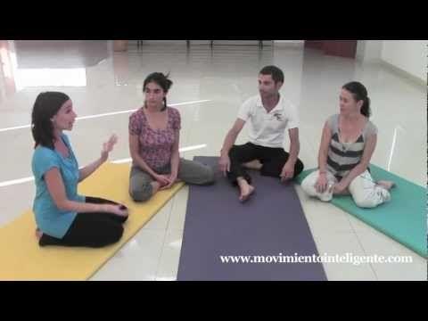 Cómo flexibilizar y relajar los pies - Feldenkrais con Lea Kaufman - YouTube