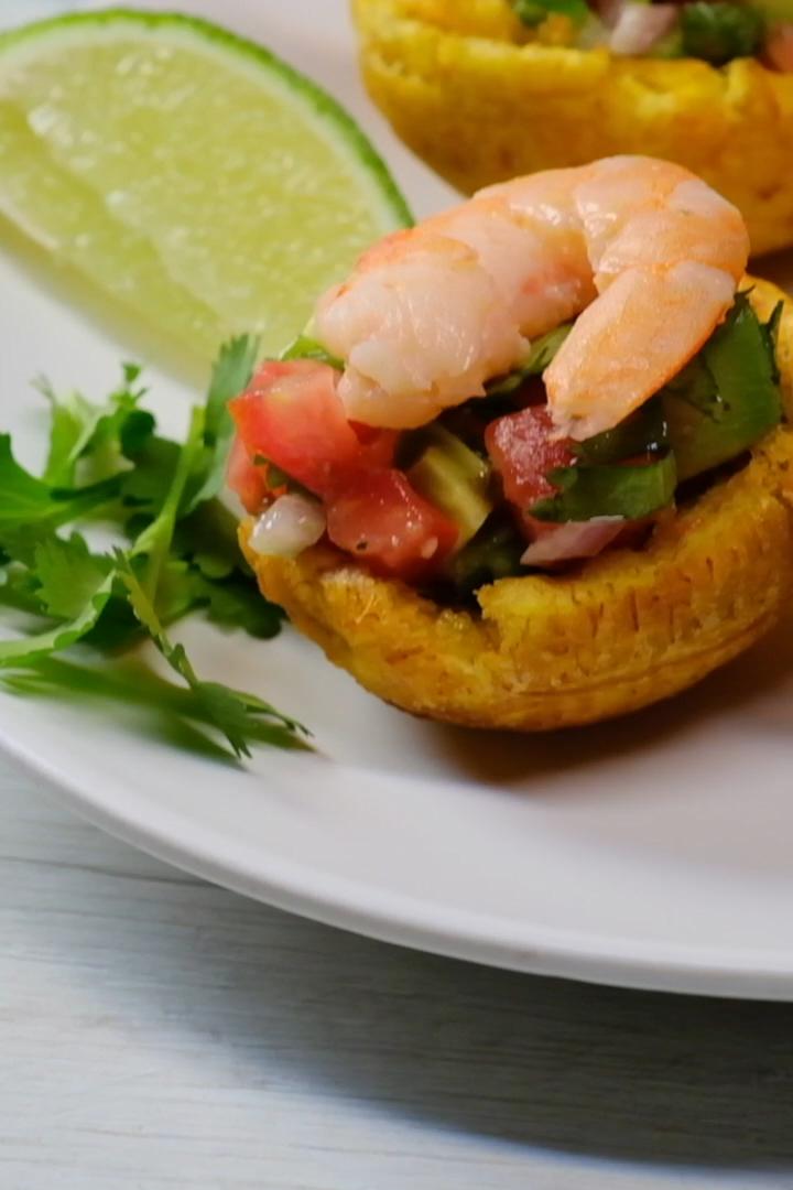 Plantain Cups With Shrimp And Avocado Salad Video Plantain Recipes Shrimp Avocado Salad Food