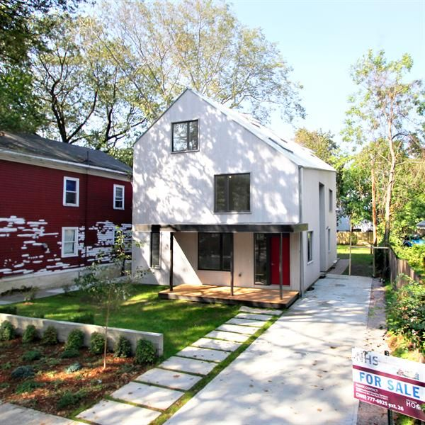 Yale Student-Built House Offers High Design At Low Cost