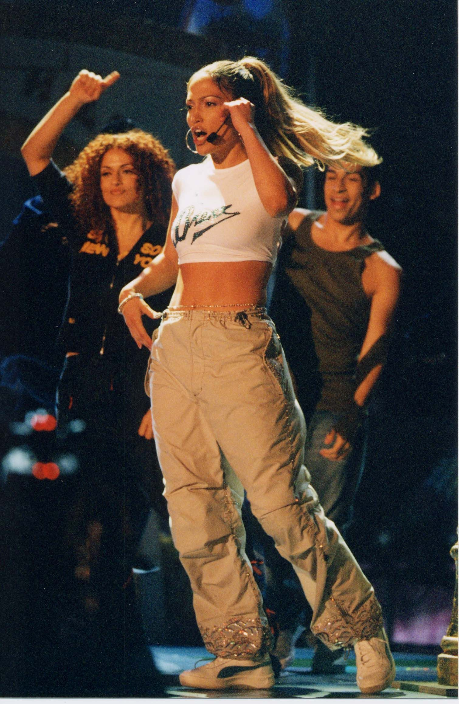 Photo of A Definitive Ranking of Jennifer Lopez's Best Sneaker Outfits