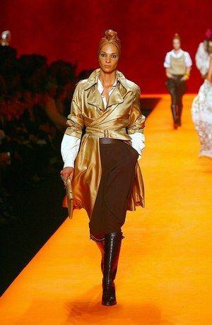 c8725db91e9 Mode défilé automne-hiver 2007 2008 JP Gaultier Hermès - Mode défilé le  cuir accessoires en cuir chaussures pantalon Mugler