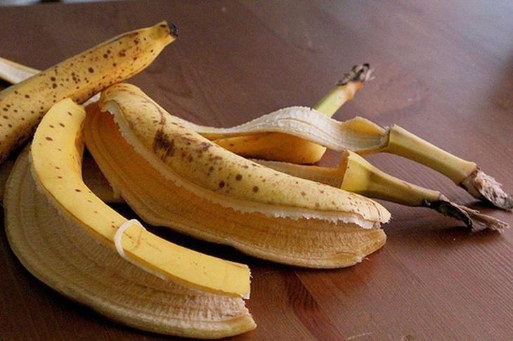 использование банановой кожуры на огороде