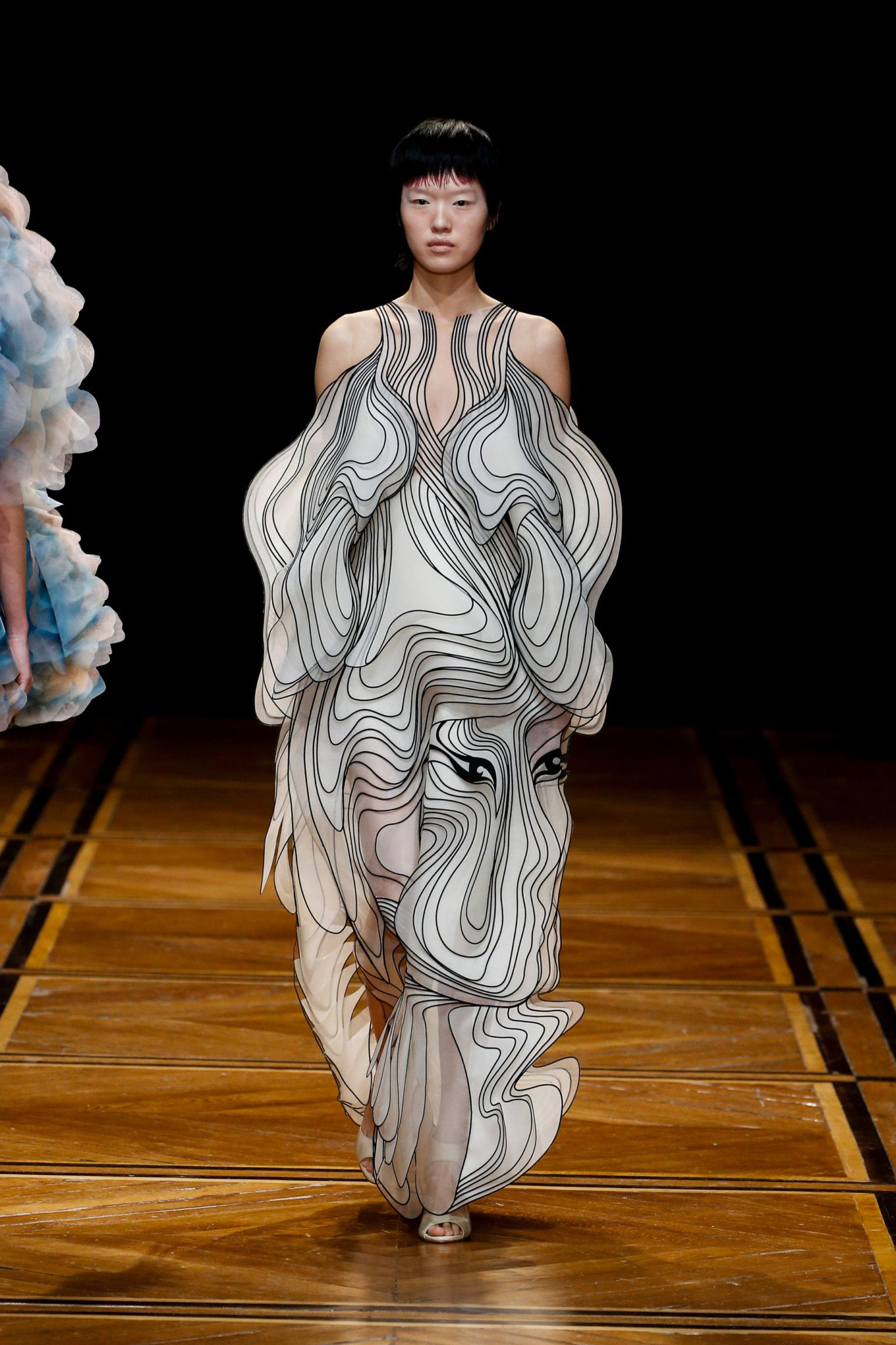 Birds and Faces Emerge From Dizzying Multi-Layered Gowns by Iris Van Herpen #wearableart