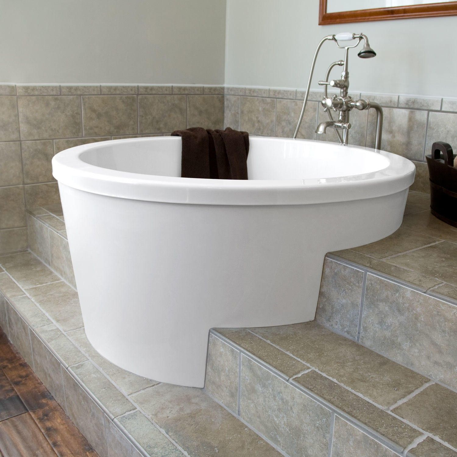 47 caruso round japanese soaking tub like the way walk for Bathroom soaking tub ideas
