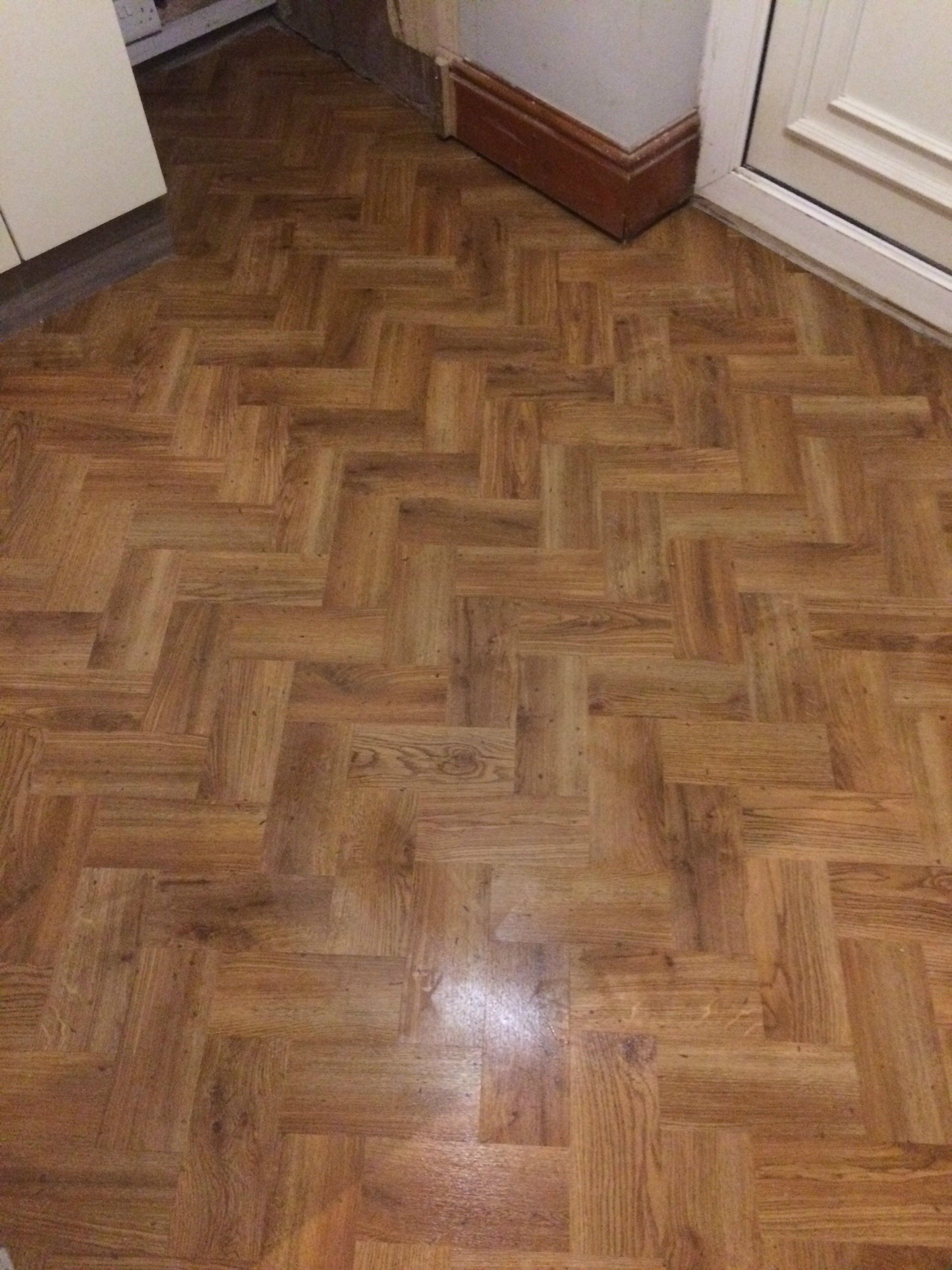 Karndean Knight tile LVT colour Victorian Oak in the
