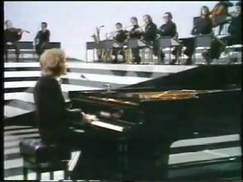 Gilbert O'Sullivan - Alone Again (original version) - YouTube
