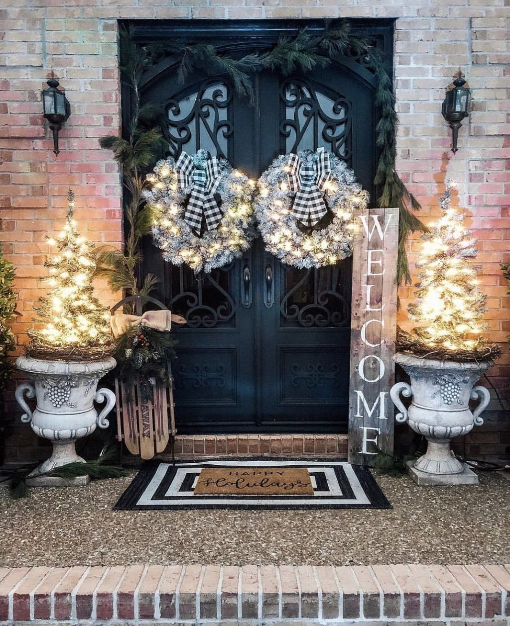 Winter Front Door Decoration Ideas