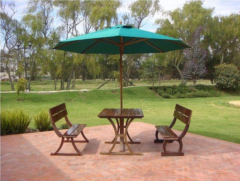 mesa con sillas en madera teca con parasol sombrilla toldo techo ...
