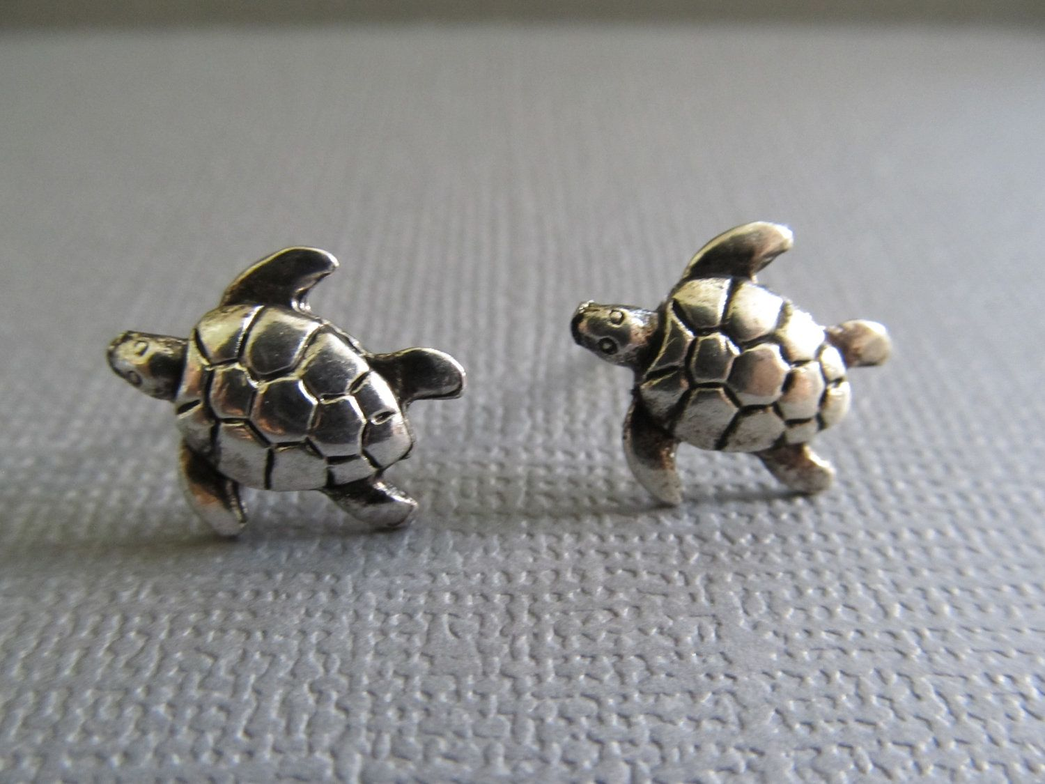stud of sea tortoise apples antiqued pricefallscom earrings l turtle gold