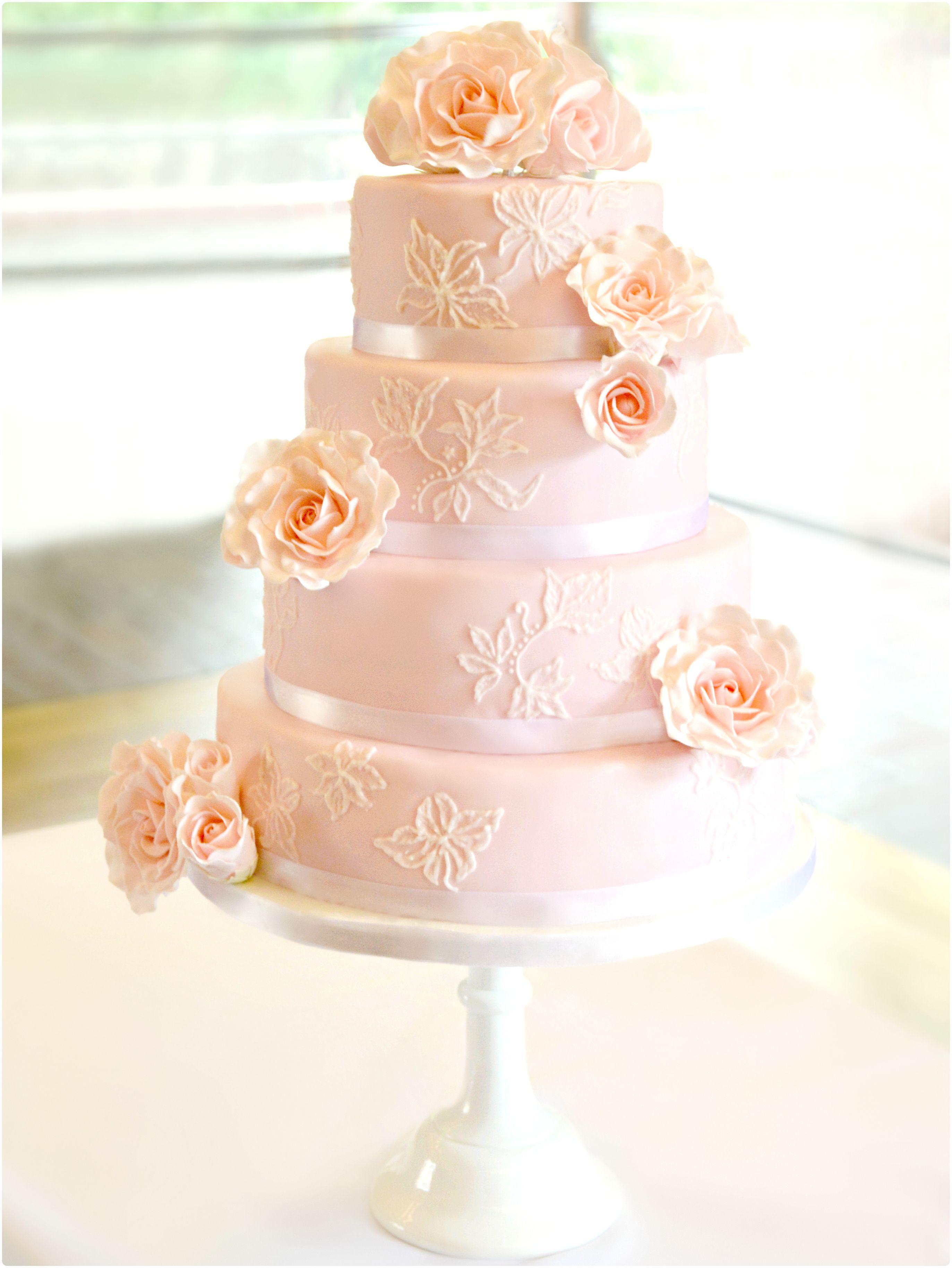 10 Wedding Cake Roses (Dengan gambar)