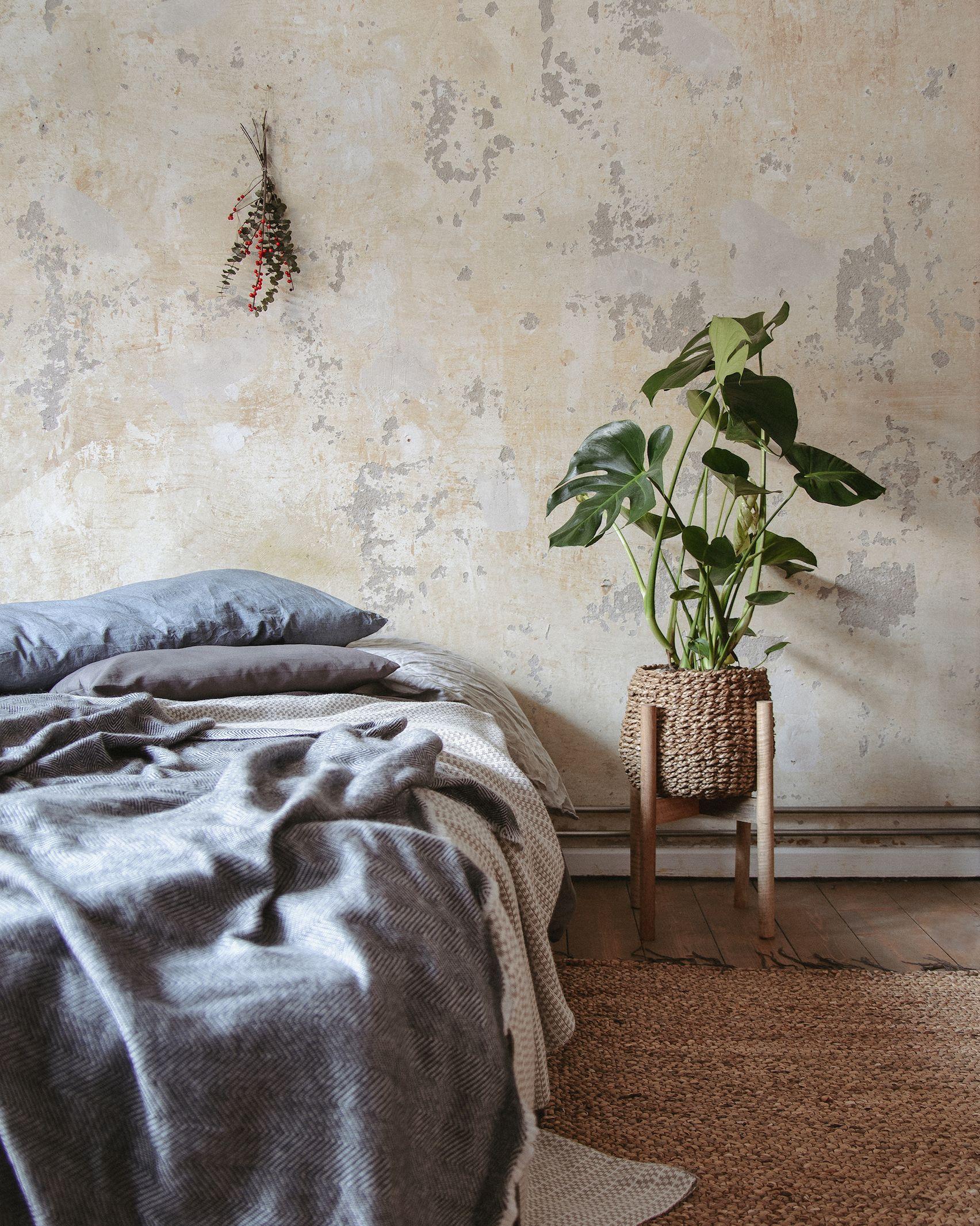 Pflanzen Dekoration Fur Die Wohnung Mit Pflanzenstandern Und Korb Mali Pai Pflanzenstander Mangoholz Minimalistische Dekoration