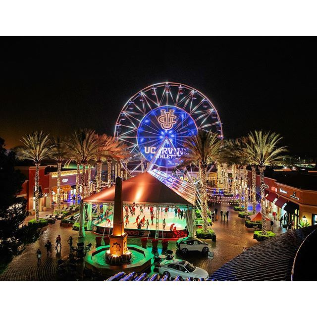 Uci Athletics Name And Logo In Lights On The Side Of A Ferris Wheel At The Irvine Spectrum 11 2015 Irvine Spectrum Irvine Ferris