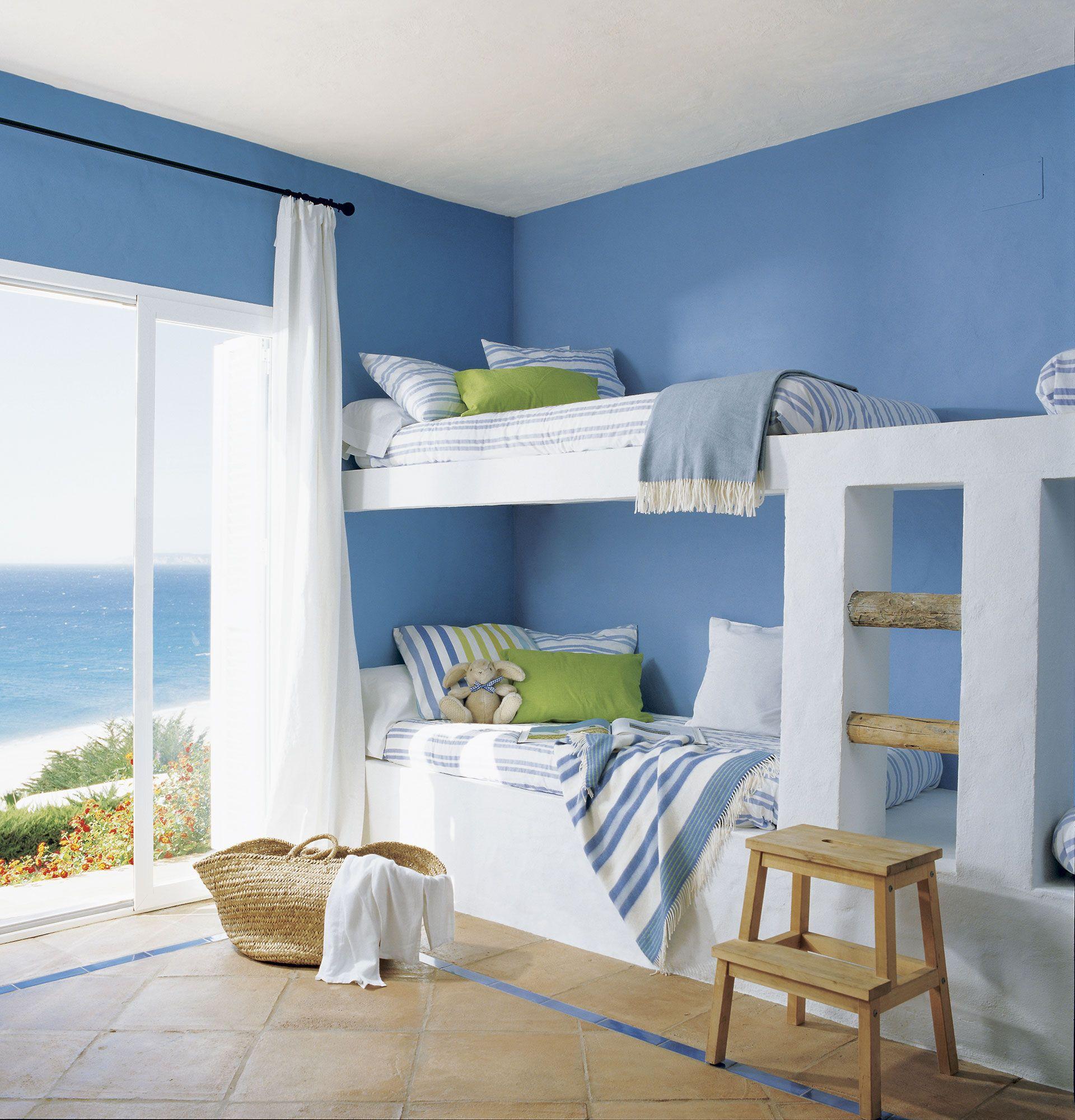 Habitación infantil en blanco con litera doble de obra | Literas ...