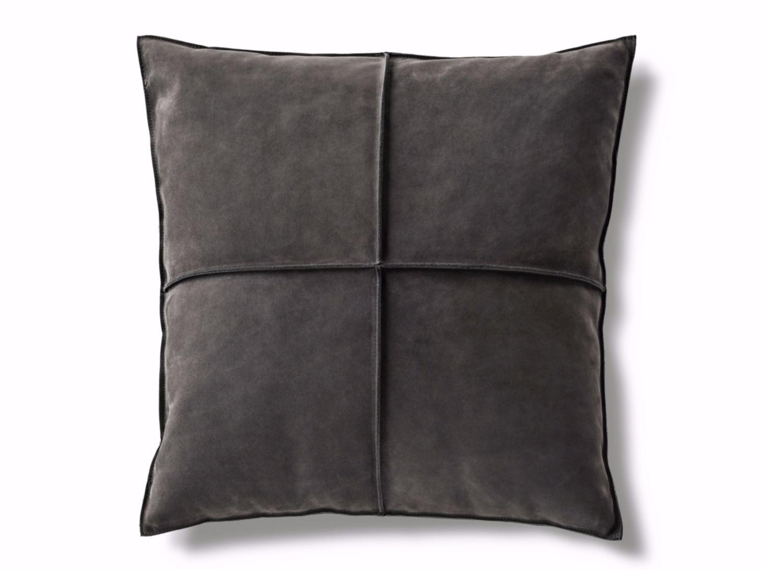 Cuscini In Pelle Per Divano.Cuscino Cuscino Braque Minotti Cushions Minotti Leather Decor