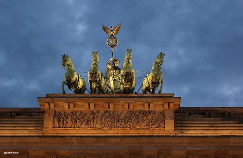 Brandenburger Tor Berlin Berlin Landmarks Statue Of Liberty