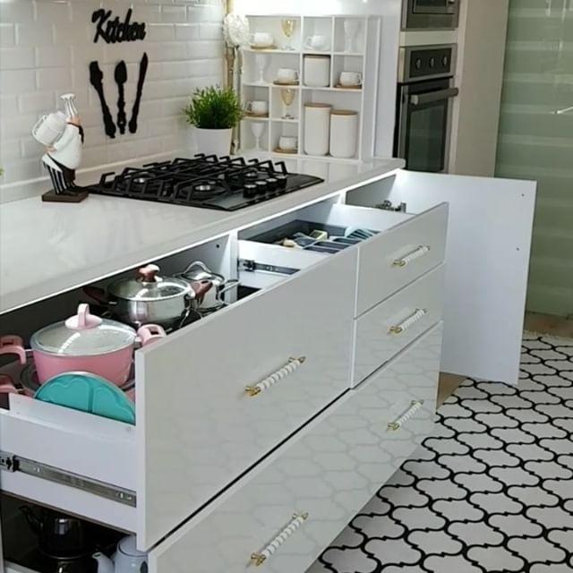 Ada Yg Mau Punya Dapur Super Cantik Nan Mewah Seperti Ini