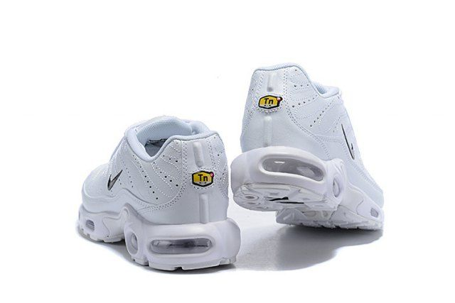 fcd8ffc8a8 Mens Winter Nike Air Max Plus TN Se Running Shoes White black 815994-100