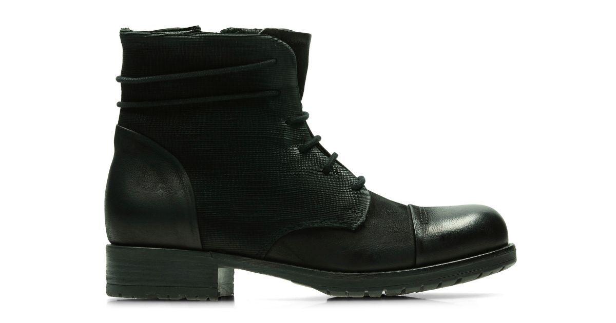 clarks autumn garden shoes black
