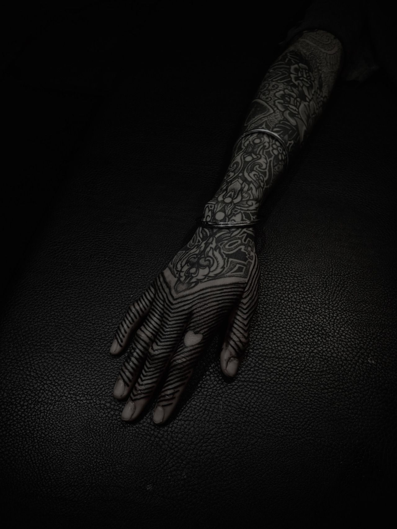 GUY LE TATTOOER Hand tattoos, Body modification