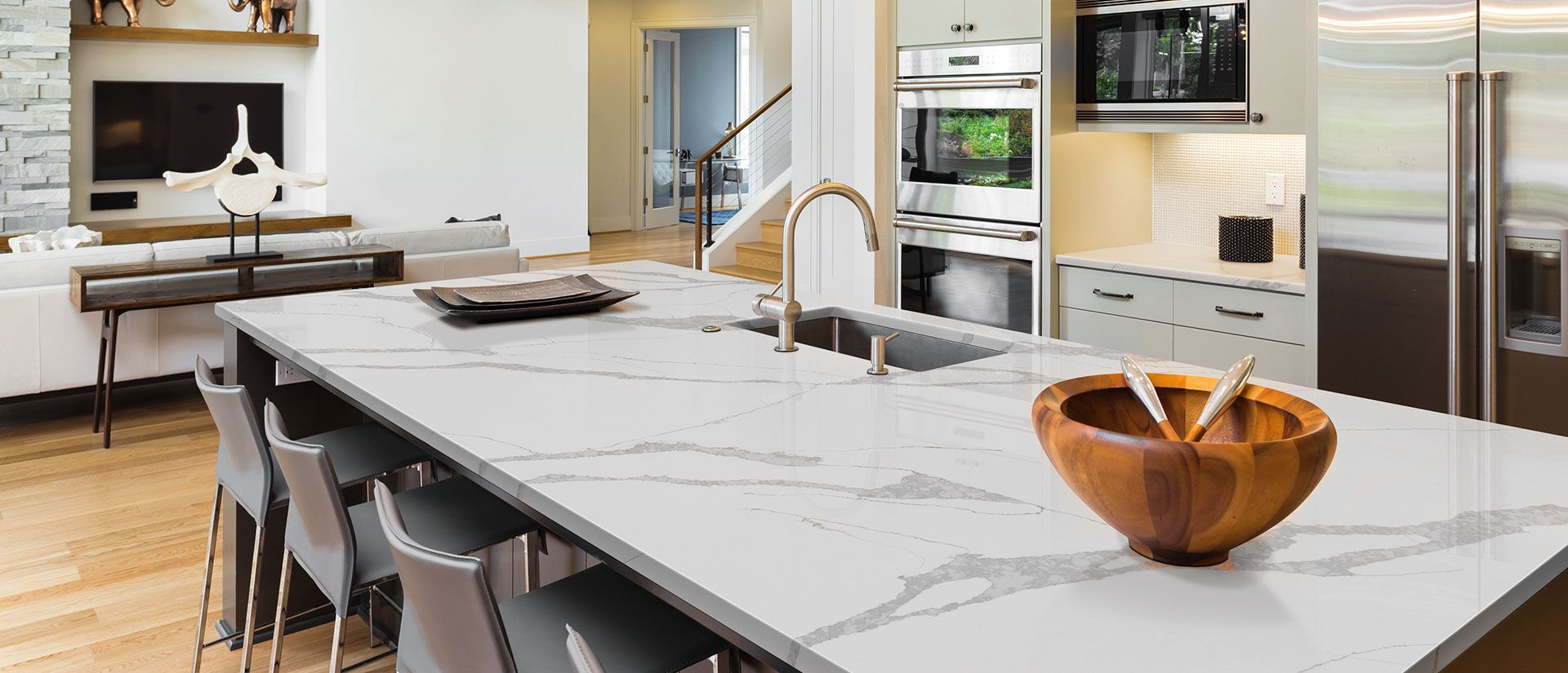 Calacatta Leon White Quartz Countertops Q Premium Natural Quartz In 2020 White Quartz Countertop Quartz Countertops Countertops