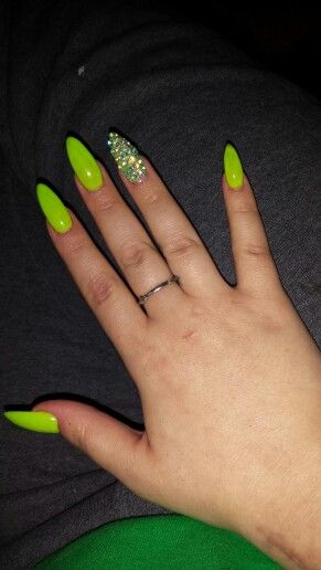 Stiletto nails. Neon green nails. | My finished projects | Pinterest ...