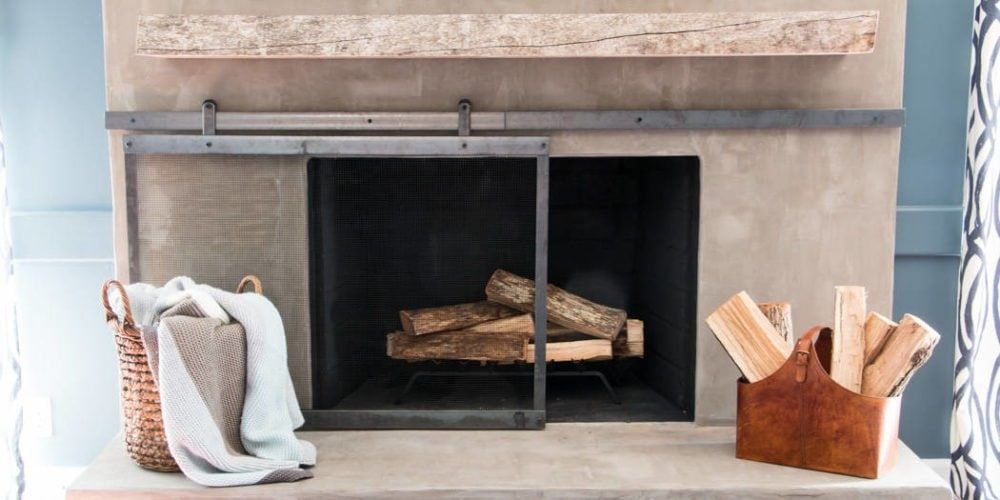 How to Make a Barn Door Style Fireplace Screen ...