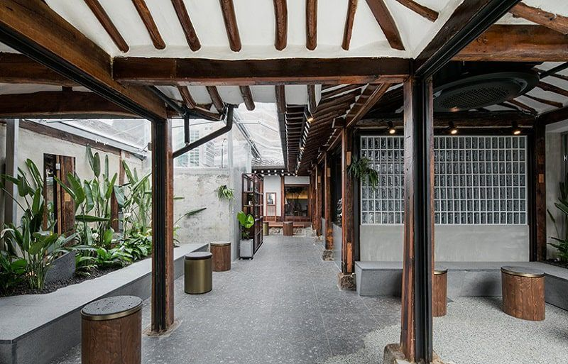 Seoul Coffee Cafe Designed Inside Traditional Korean House ...