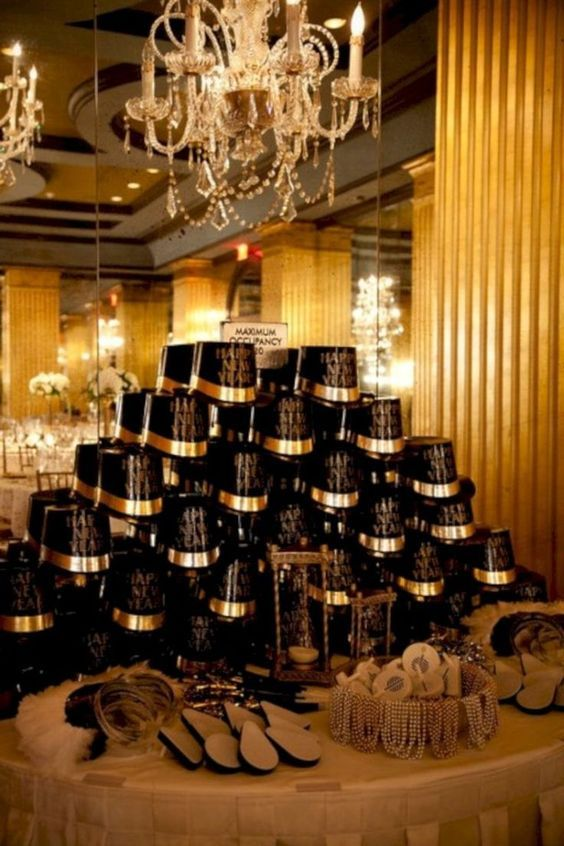 120 DIY New Years Eve Party Decorations that'll Earn you Brownie Points - Hike n Dip