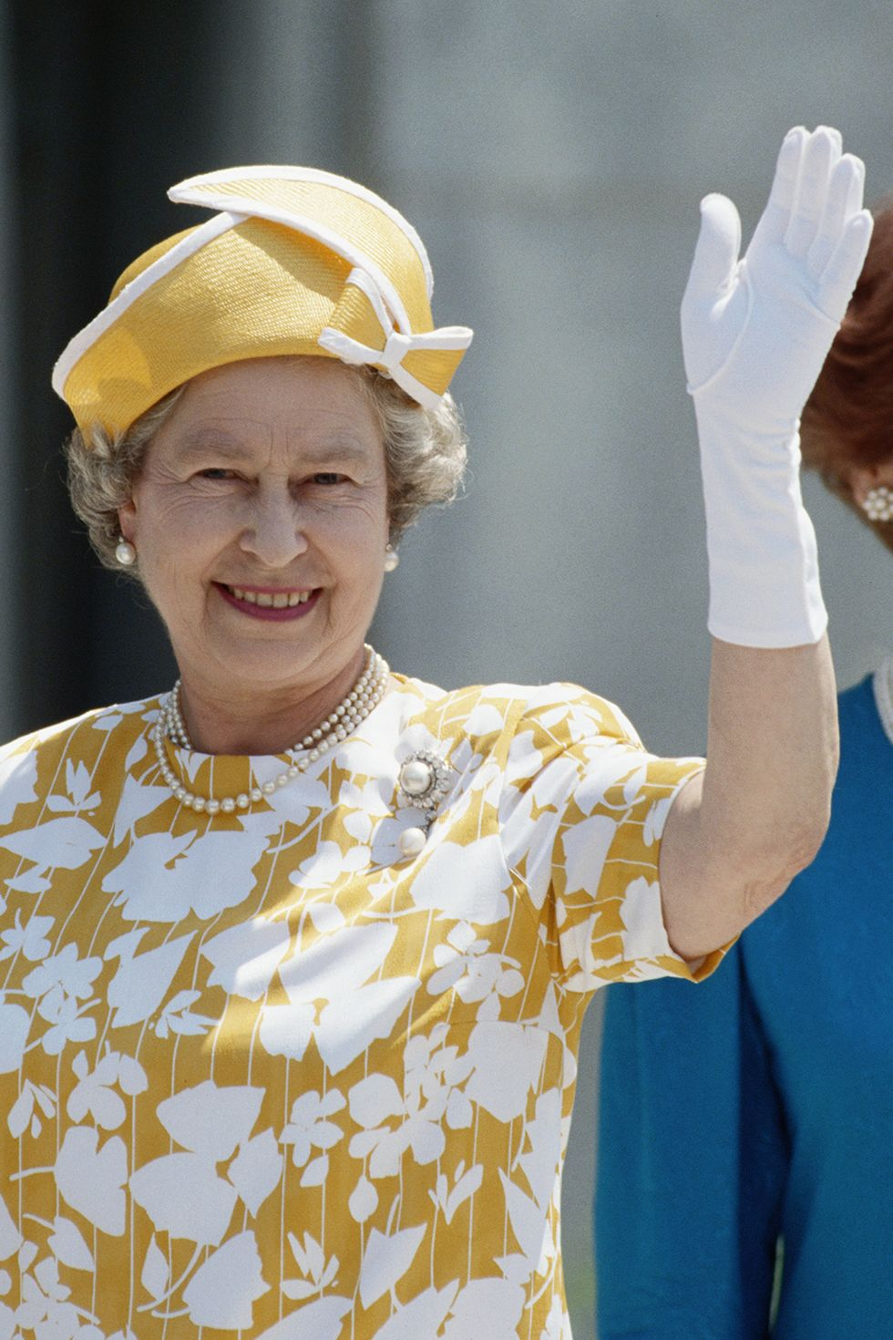 The 70 Best Royal Hat Moments Of All Time Queen Hat Queen Elizabeth Laughing Queen Elizabeth [ 1470 x 980 Pixel ]