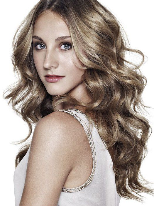 Dark Ash Blonde Pale Skin Hair Color Haircuts For Wavy Hair