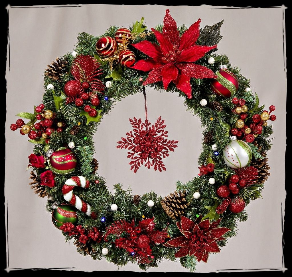 christmas wreath with battery operated lights