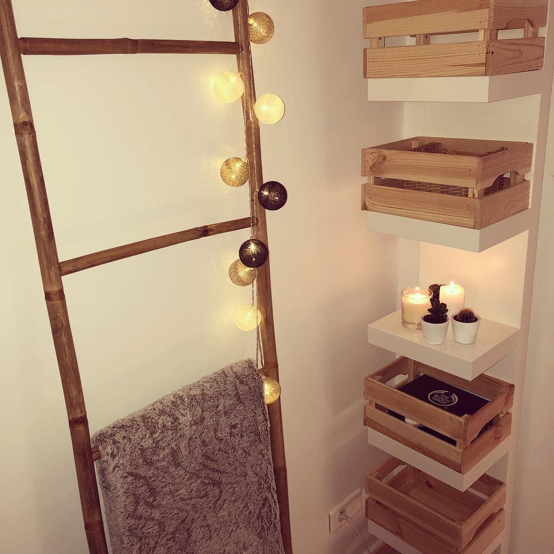 Carohome Deco On Instagram C H A M B R E Creer Du Rangement Avec Trois Fois Rien Les Dimensions De Ces Petites Caisse Bois Deco Echelle Decorative