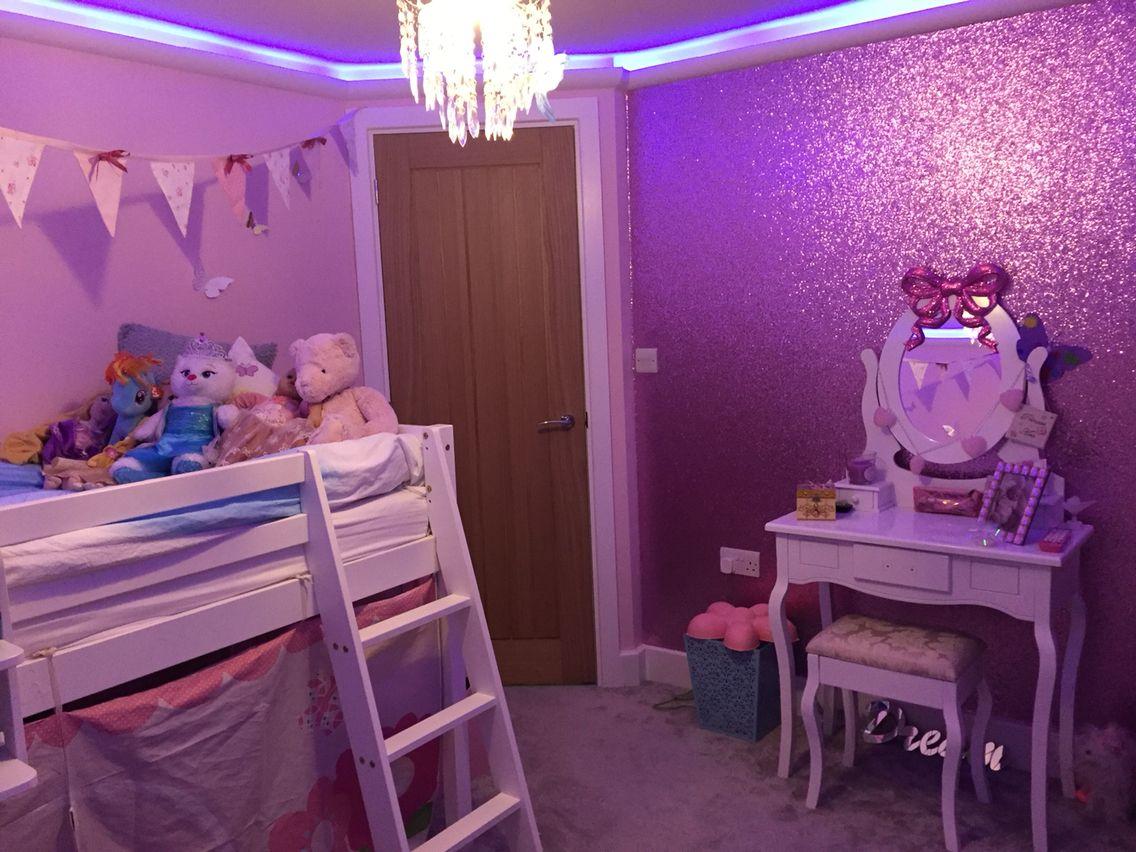 Best Little Girls Pink Glitter Bedroom In 2019 Glitter 640 x 480