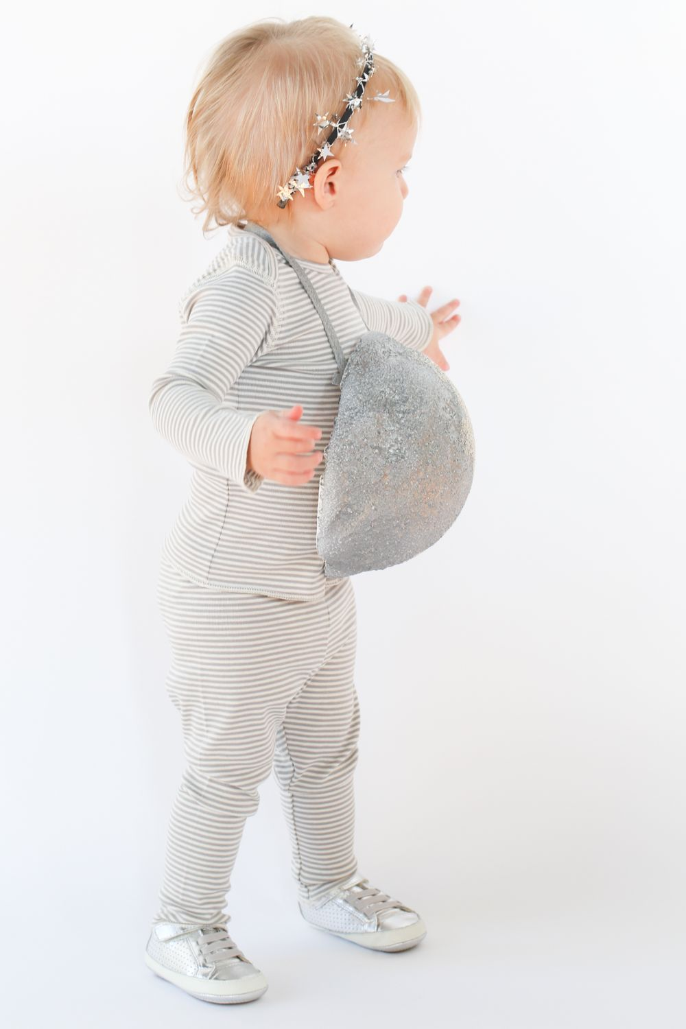 4033231e81 DIY Moon and Stars Baby Halloween Costume | I Can Do That | Moon ...