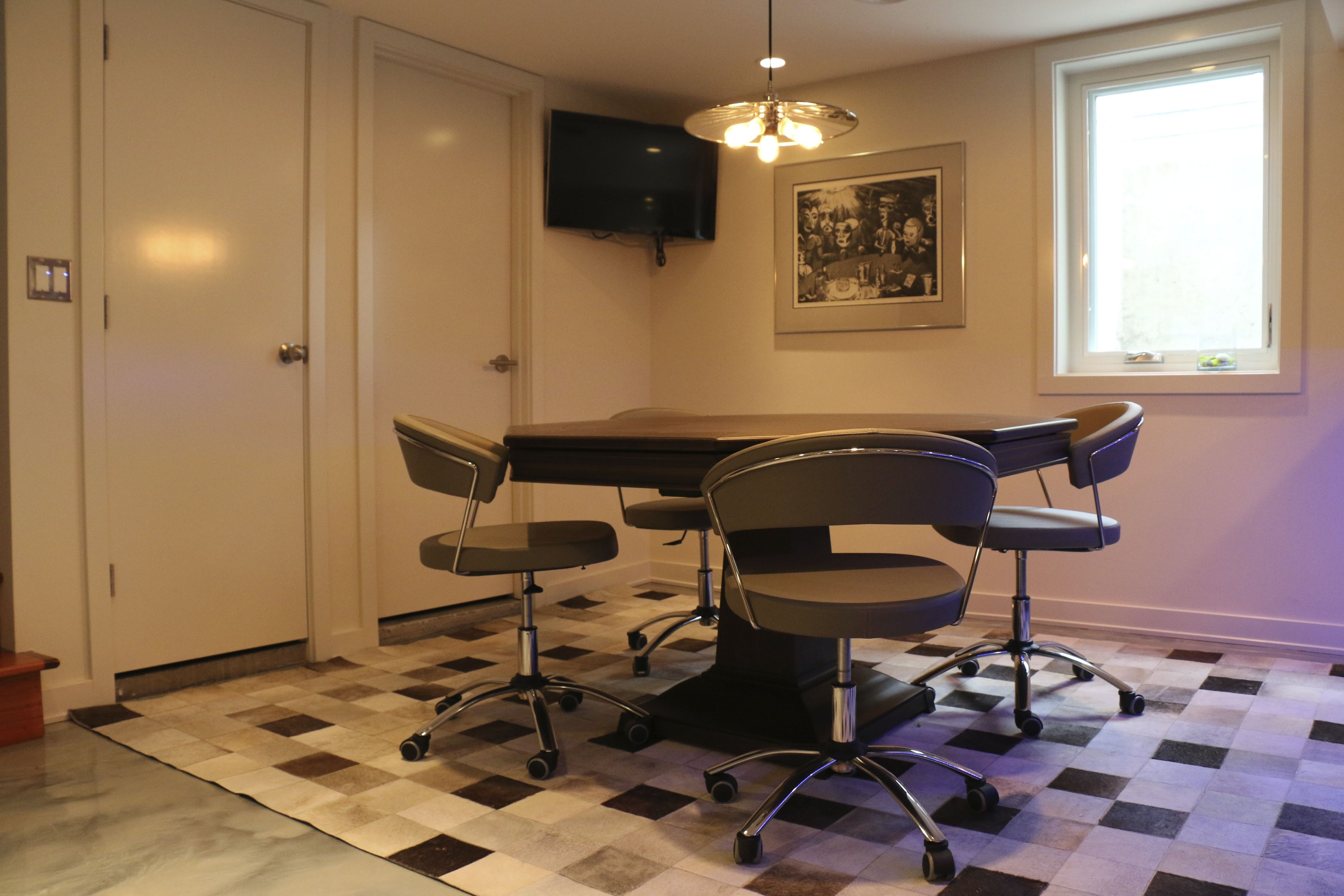 Poker Room, California House Table, Marin In Walnut. Calligaris New York  Office Chair