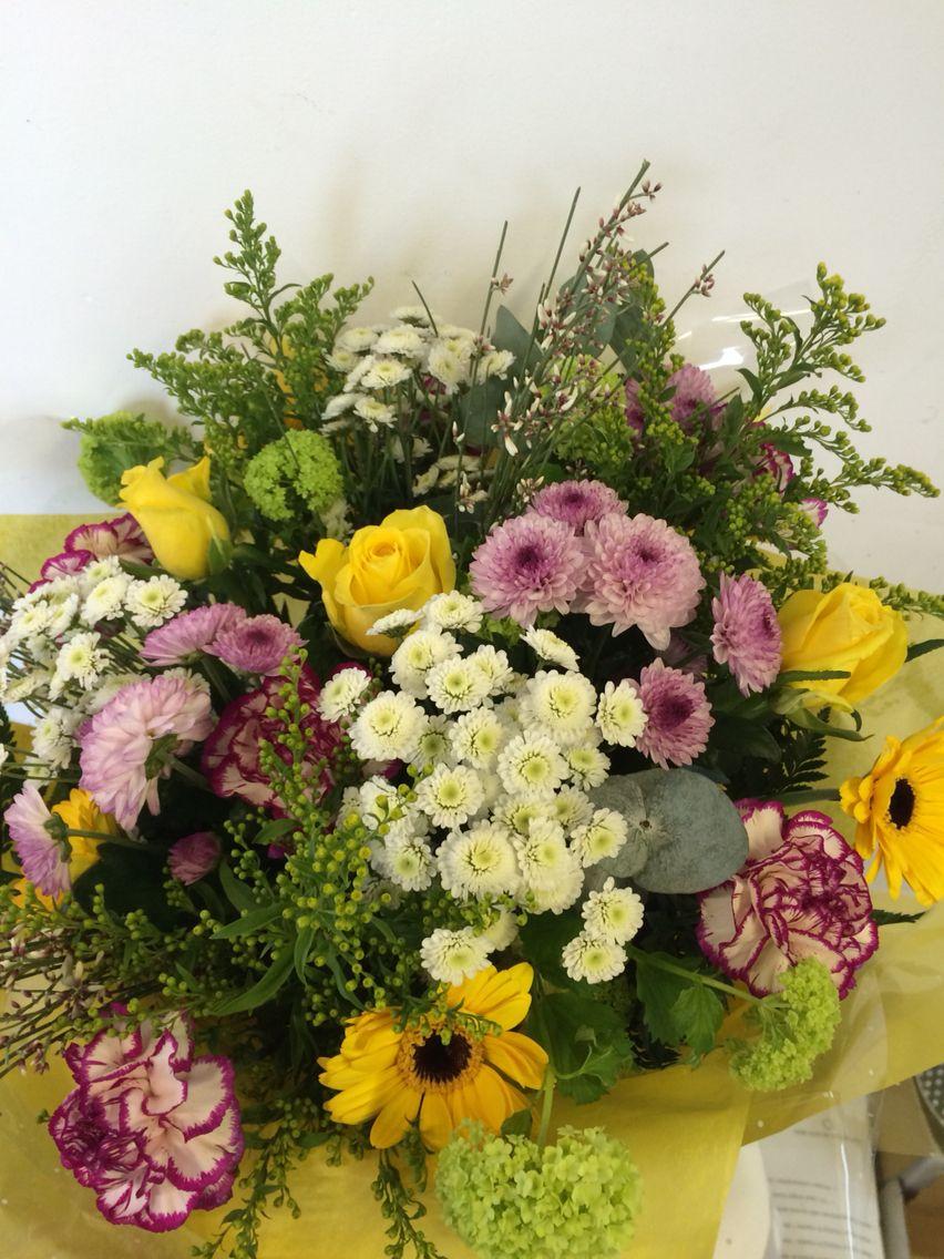 Rustic bouquet Rustic bouquet, Hand tied bouquet, Bouquet