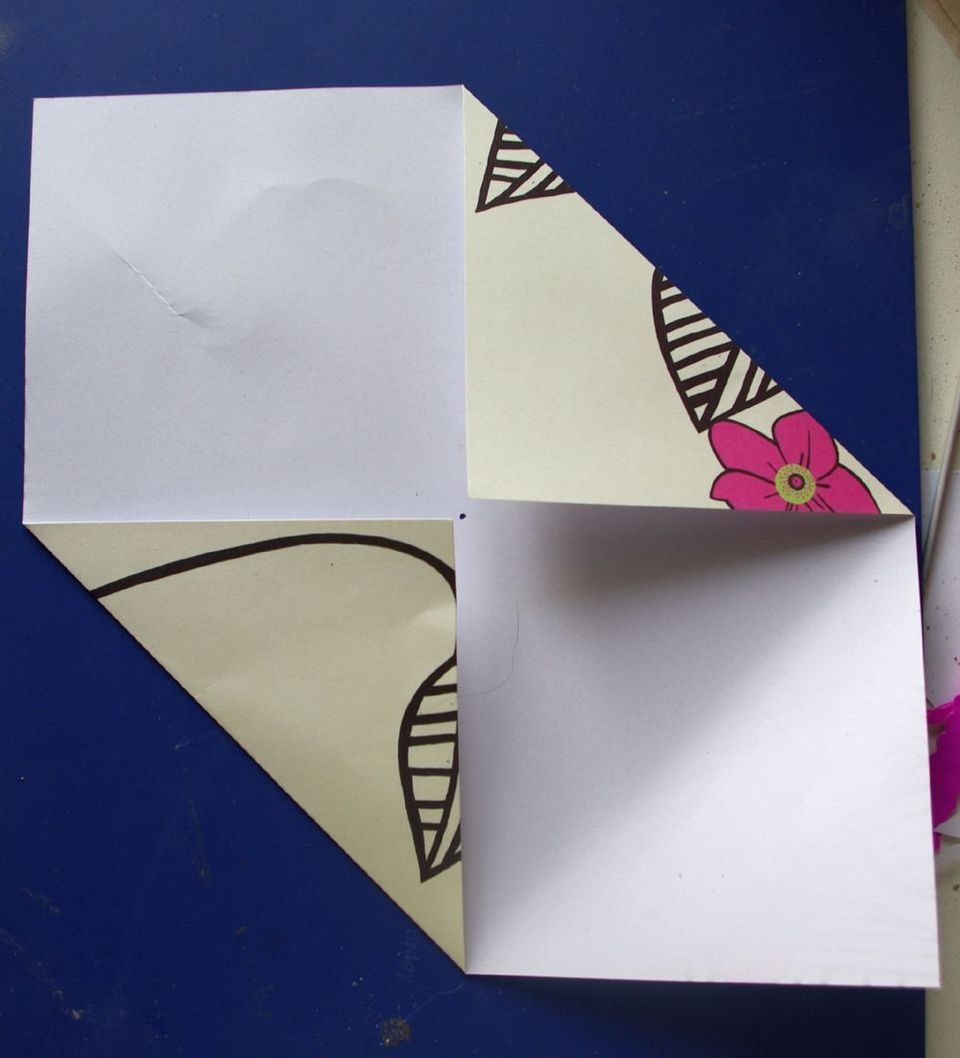 Как сделать конверт для открыток, марта