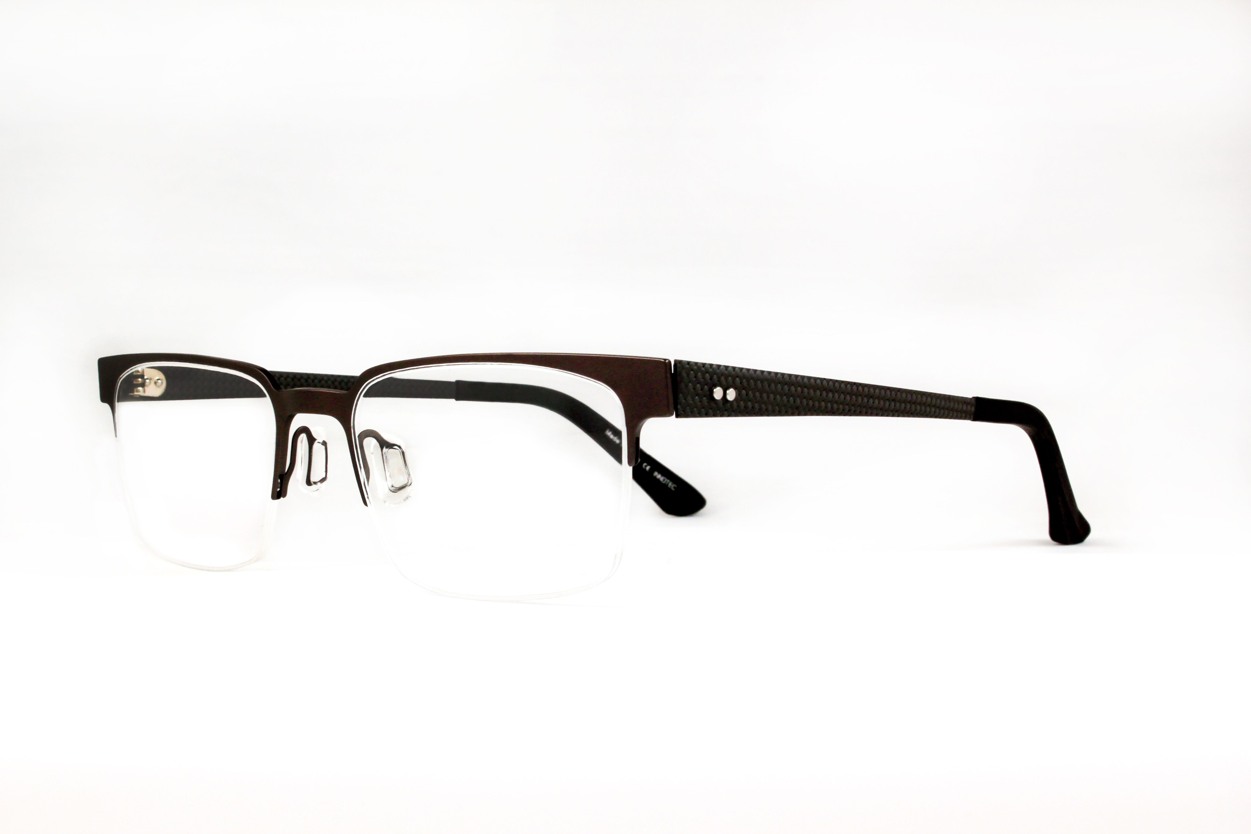 af5ac9e9d09 This pair of men s OGI frames is classic