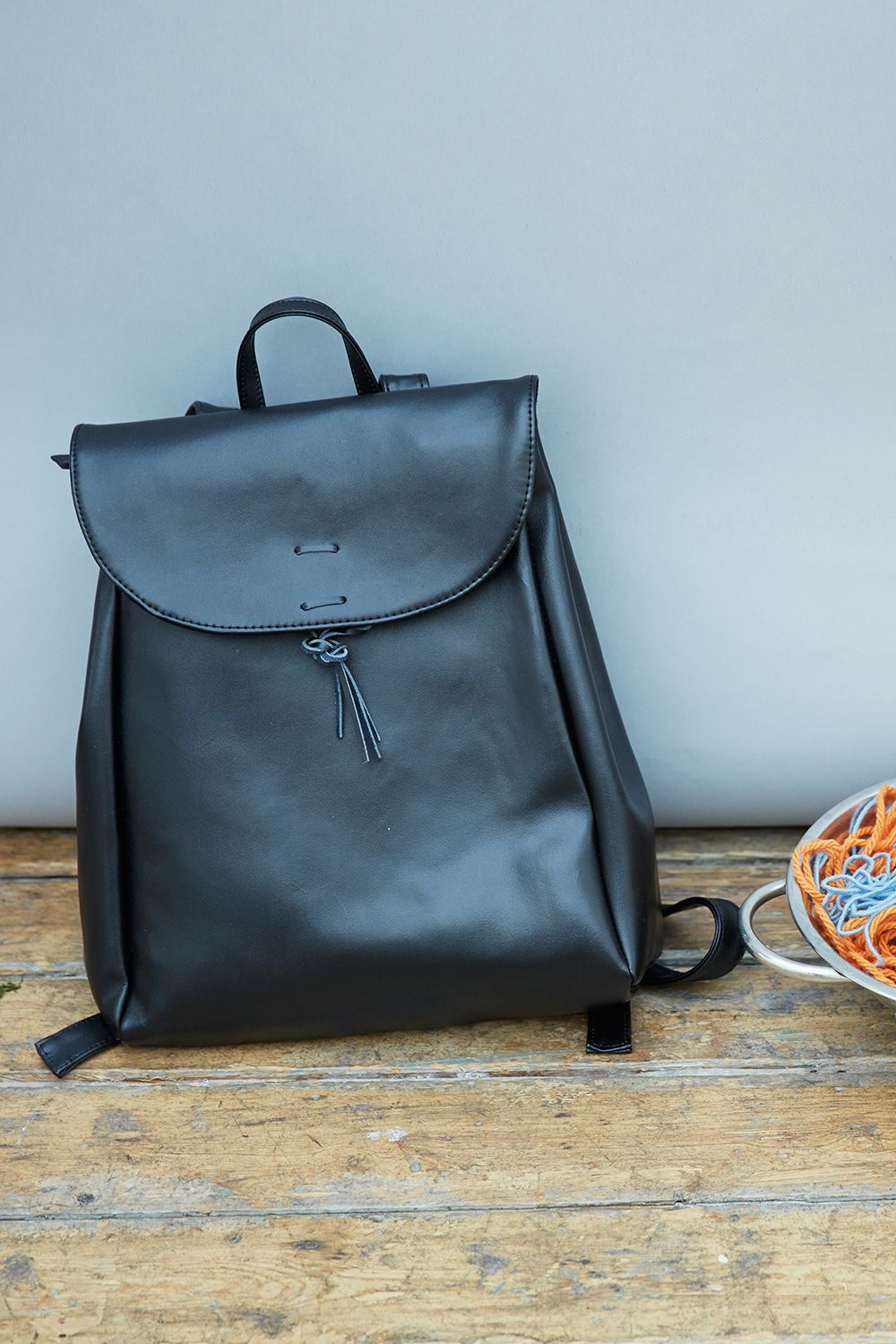 Leather Vintage Style Backpack Black http://bit.ly/1F7Xmdl