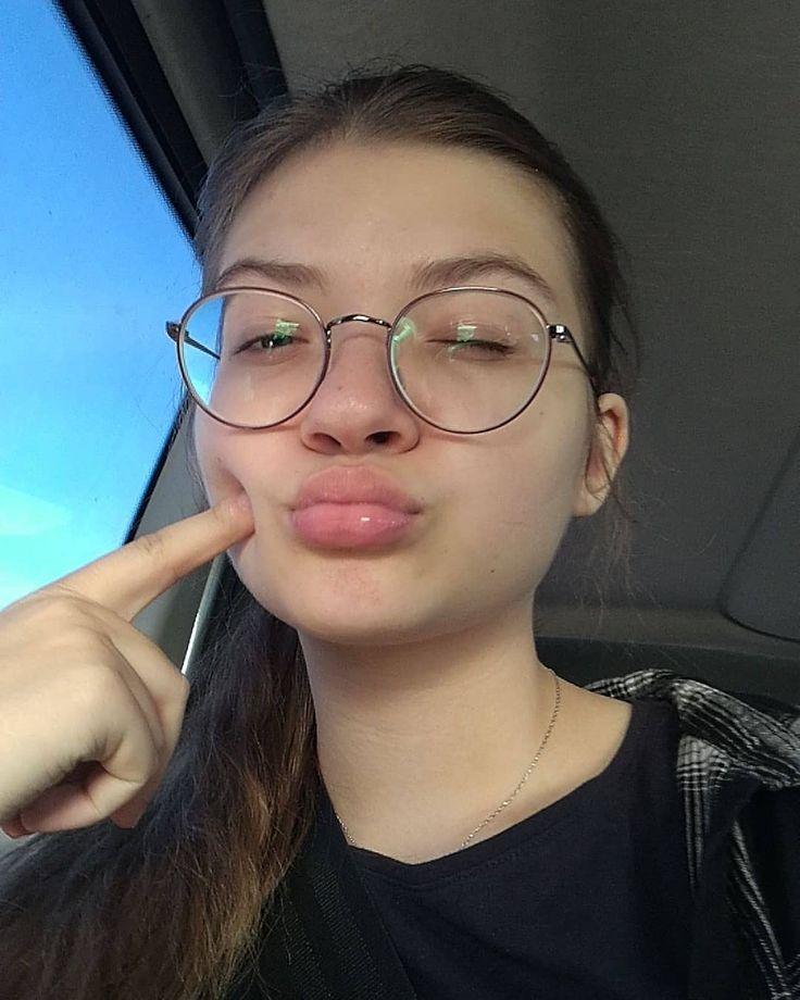 A lil car selfie cause i got no good pics