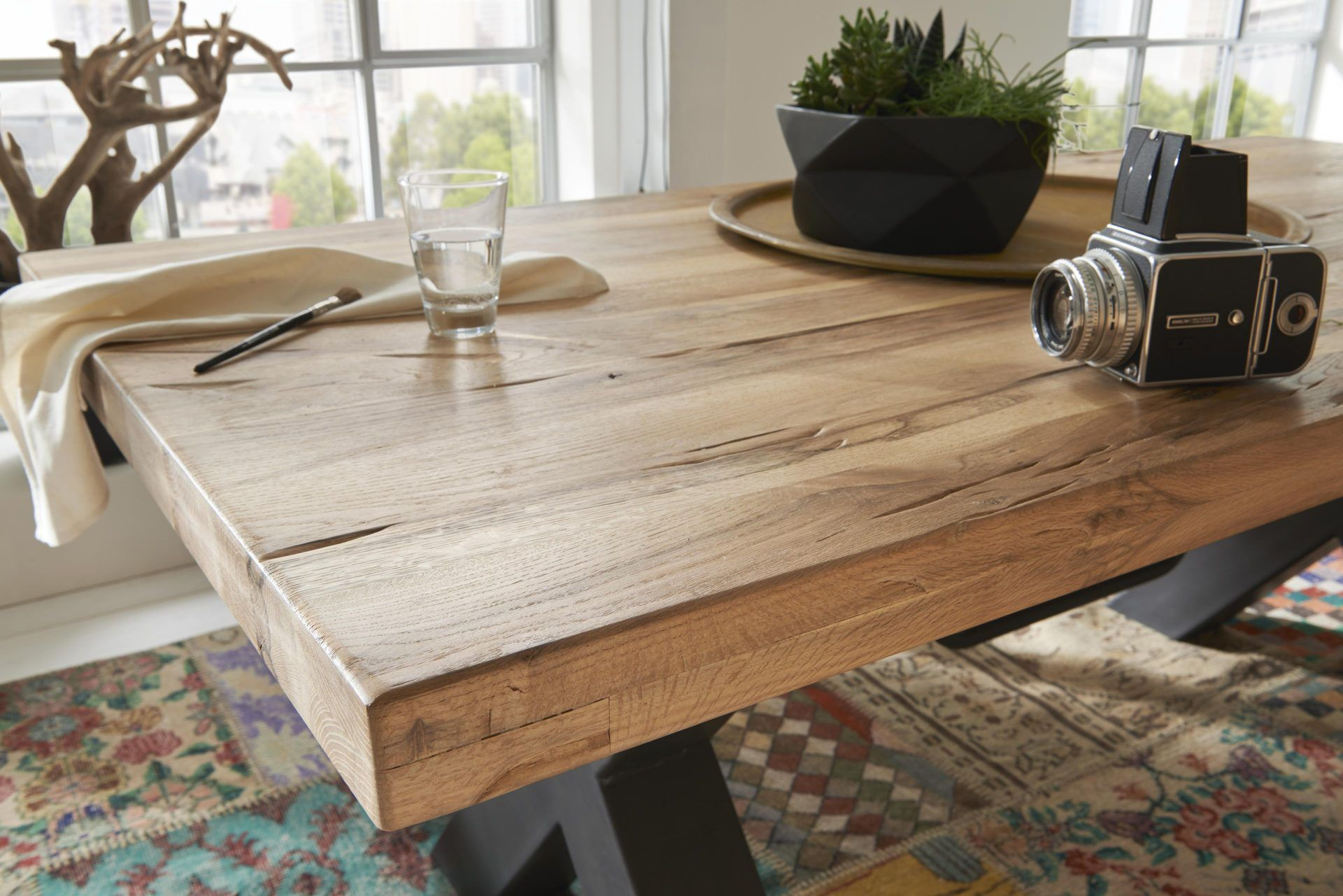 Moderner woods trends esstisch aus massiver balkeneiche for Esstisch trends
