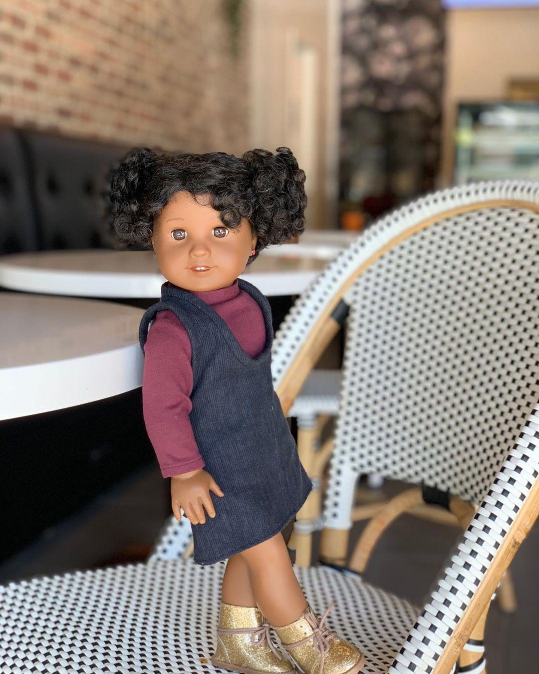 Yuki Mitten On Instagram Ooh La La Cafe Time With Crystal Americangirldoll Agig Cyoagdoll Createyourown American Girl Doll Doll Photography Girl Dolls