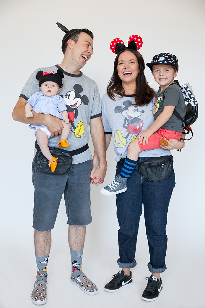 Halloween Family Costumes: Disneyland Tourists | Holidays ...