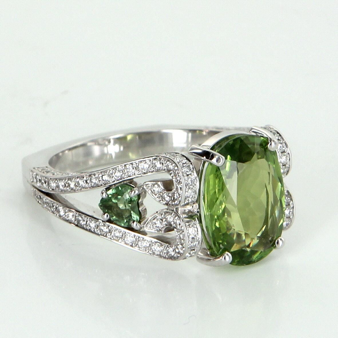 Peridot Diamond Cocktail Ring Vintage 18 Karat White Gold Estate