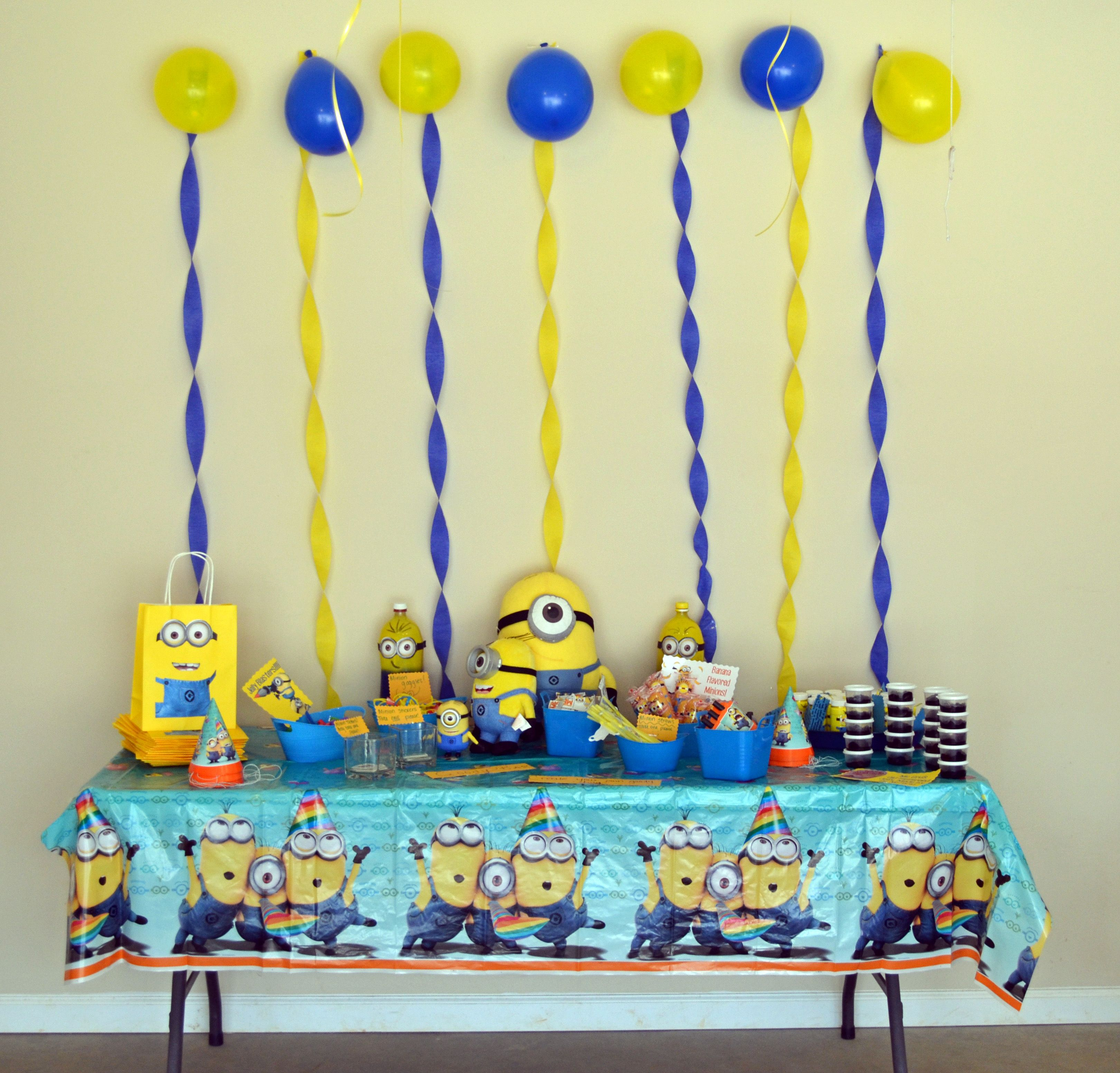 despicable me minion birthday party ideas instead of pre. Black Bedroom Furniture Sets. Home Design Ideas