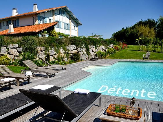 Bed And Breakfast Near Biarritz B B In The Basque Country Biarritz Paysage Basque Volets Bleus