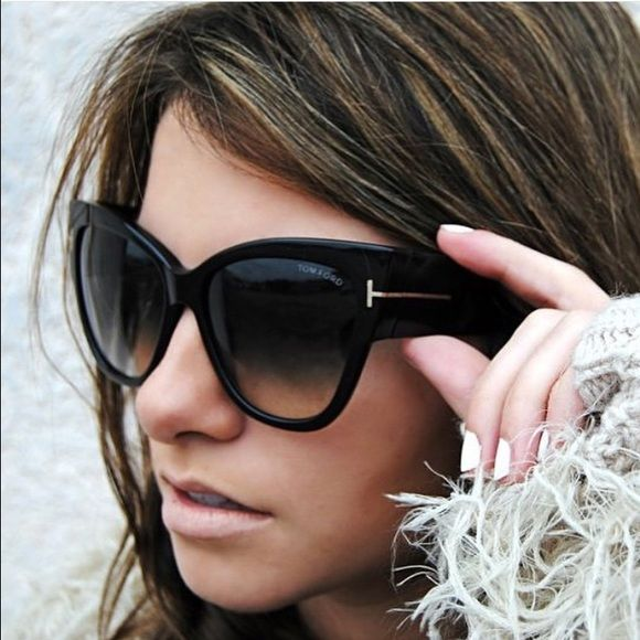 Choosed the prefect pair of sunglasses to suit your face this summer here.   rayban  sunglasses  fashion 2176e7d6db