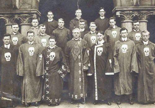 history of secret societies knights templar illuminati assassins