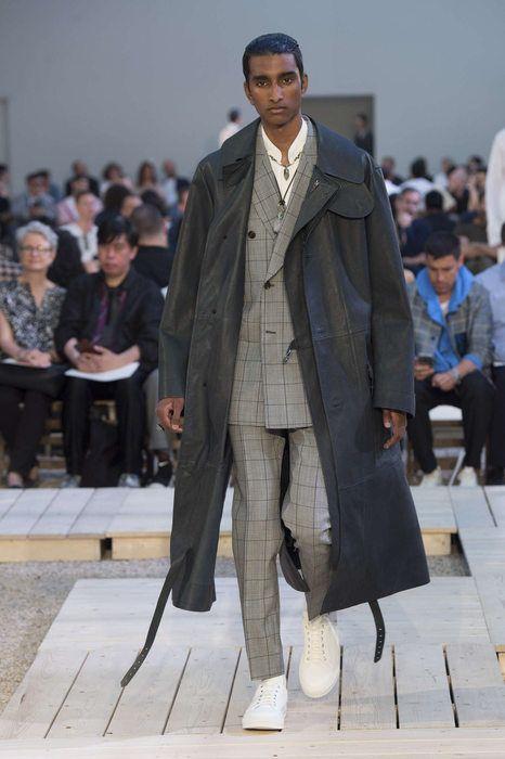 alexander mcqueen printemps et 2018 paris menswear men 39 s fashion pinterest alexander. Black Bedroom Furniture Sets. Home Design Ideas